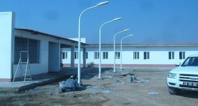 Alumbrado público en condominio Luanda