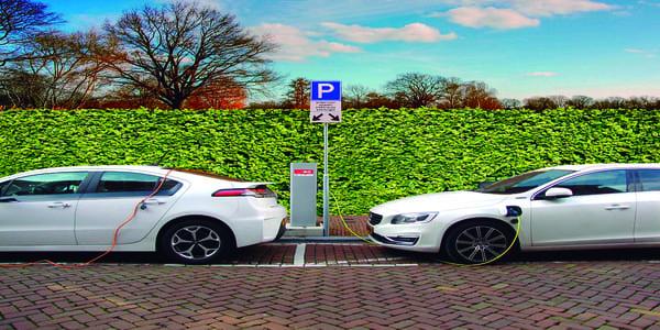 EU Electric+coche de gasolina. No menos de 55 g/km. 2.750 g/h en la ciudad, 6,600 g/h en autopistas.